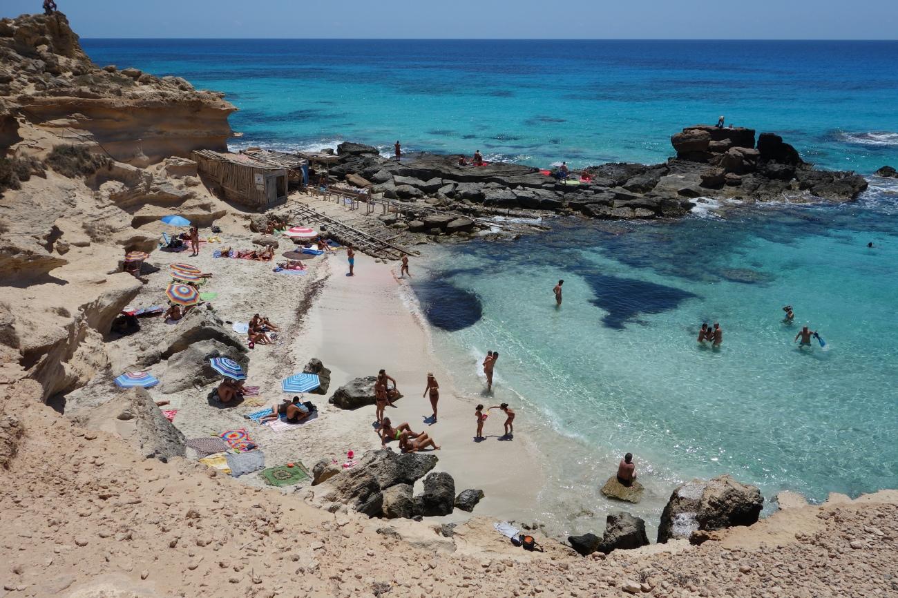 Calo Des Mort beach, Formentera